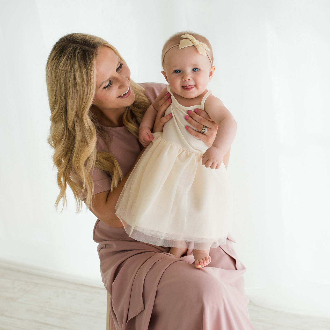 20C-Photographer-Baby-Sitter-Session-6mo