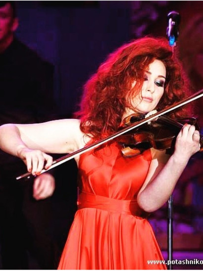 В ресторане Баку шоу выступление со скрипкой!