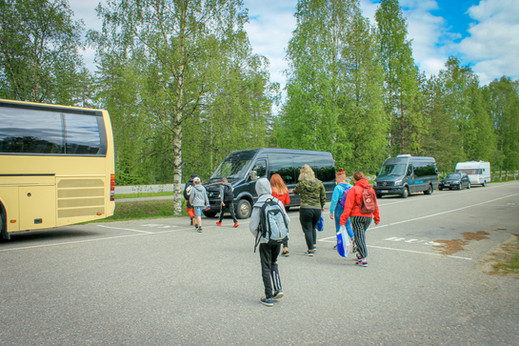 Minibussilla kotiin.jpg