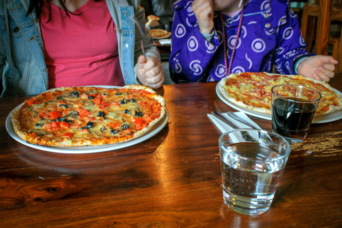Pizzalla.jpg