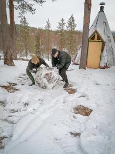 Lumiukko valmistuu (10/2020)