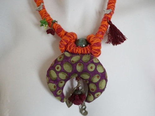 """traditional """"hiref"""" form necklace"""