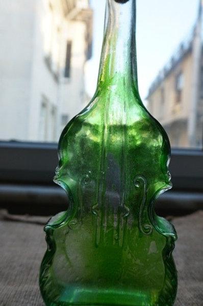 bottle as violin