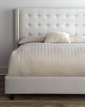 Vlevet Buttoned Bed