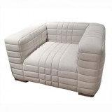 Relaxed linen chair