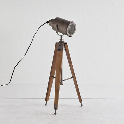 Urban Tri-pod Lamp