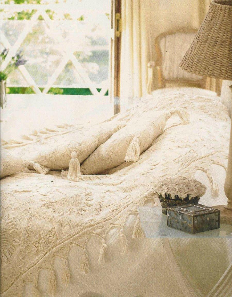 Покрывало и подушка для спальни