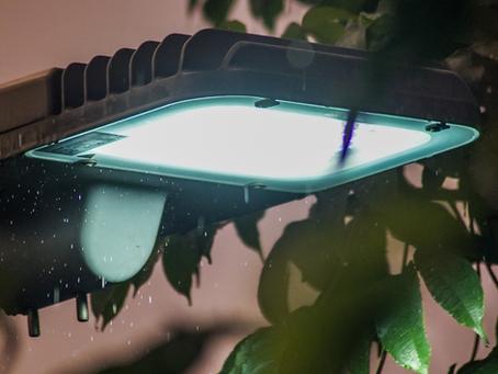 Wykonujemy naprawy oraz konserwację profesjonalnych opraw LED