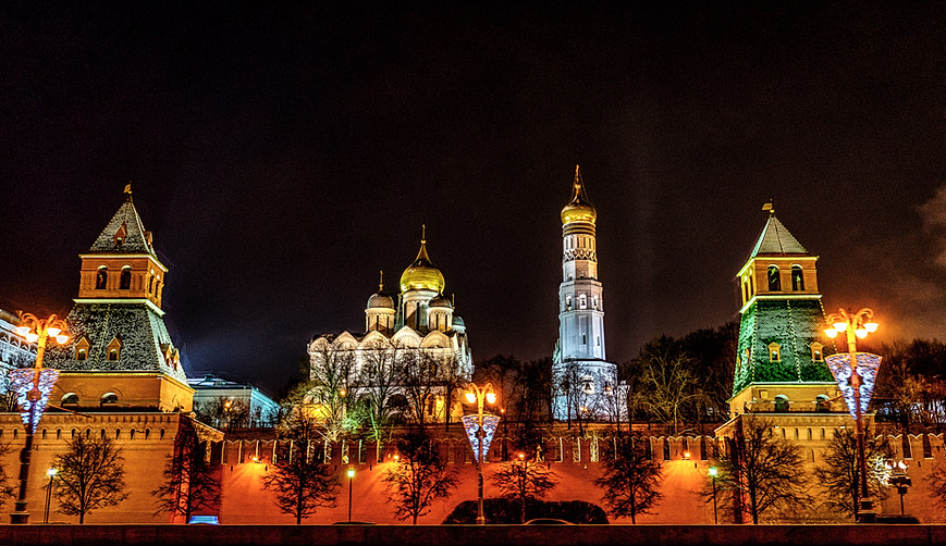 Moskau - Kremlmauer