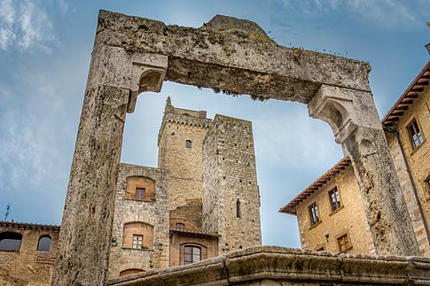 Piazza della Cisterna (San Gimignano)