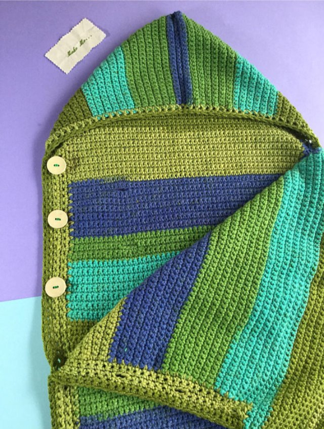 Green stripe crochet foot muff