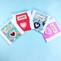 Love greeting cards crochet heart