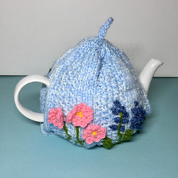knitted Flower tea cosy