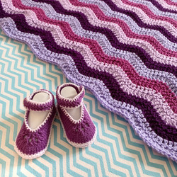 hand knitted hand crocheted baby gift matching set sweetheart booties ripple blanket purple