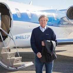 Wheels Up Commercial Wayne Gretzky -Grooming