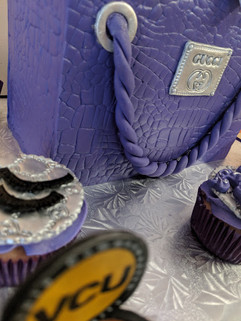 Gucci Inspired Shopping Bag Cake-3.jpg