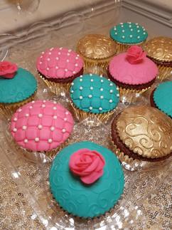 Tea Party Cupcakes-4.jpg