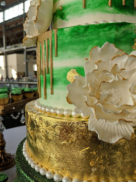 Emerald Green 5 Tier Wedding Cake-4.jpg