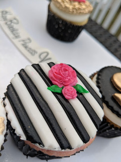 Kate Spade Inspired Cupcake-1.jpg