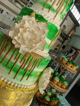 Emerald Green 5 Tier Wedding Cake-3.jpg