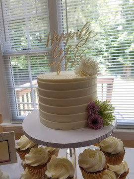 Engagement Cake Table-1.jpg