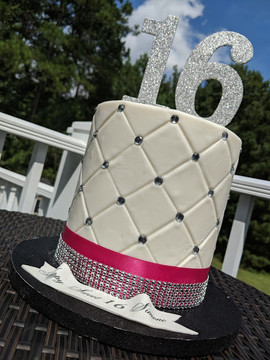 Sweet 16 Quilted Cake.jpg