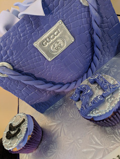 Gucci Inspired Shopping Bag Cake-2.jpg