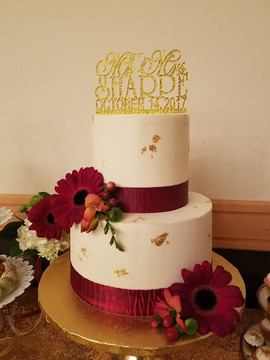 Ribbon-Gold Foil Wedding Cake-1.jpg