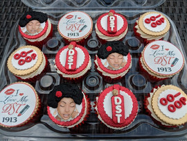 DST Cupcakes with Glitter-1.jpg