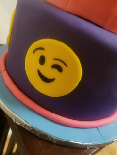 Emoji Birthday Cake-4.jpg