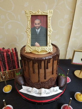 Chocolate Picture Frame Drip Cake.jpg