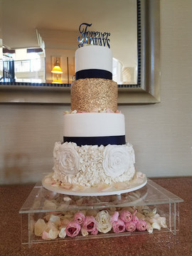 White and Navy Wedding Cake-2.jpg