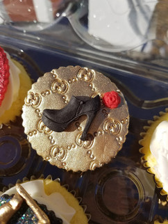 Fashion Cupcakes-2.jpg