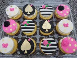 Kate Spade Inspired Cupcakes-1.jpg