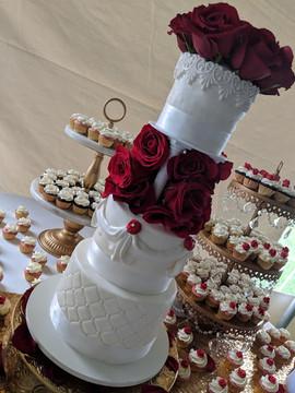 Red Rose Wedding Cake-3.jpg