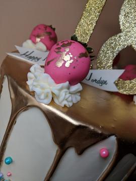 Gold Drip Cake4.jpg