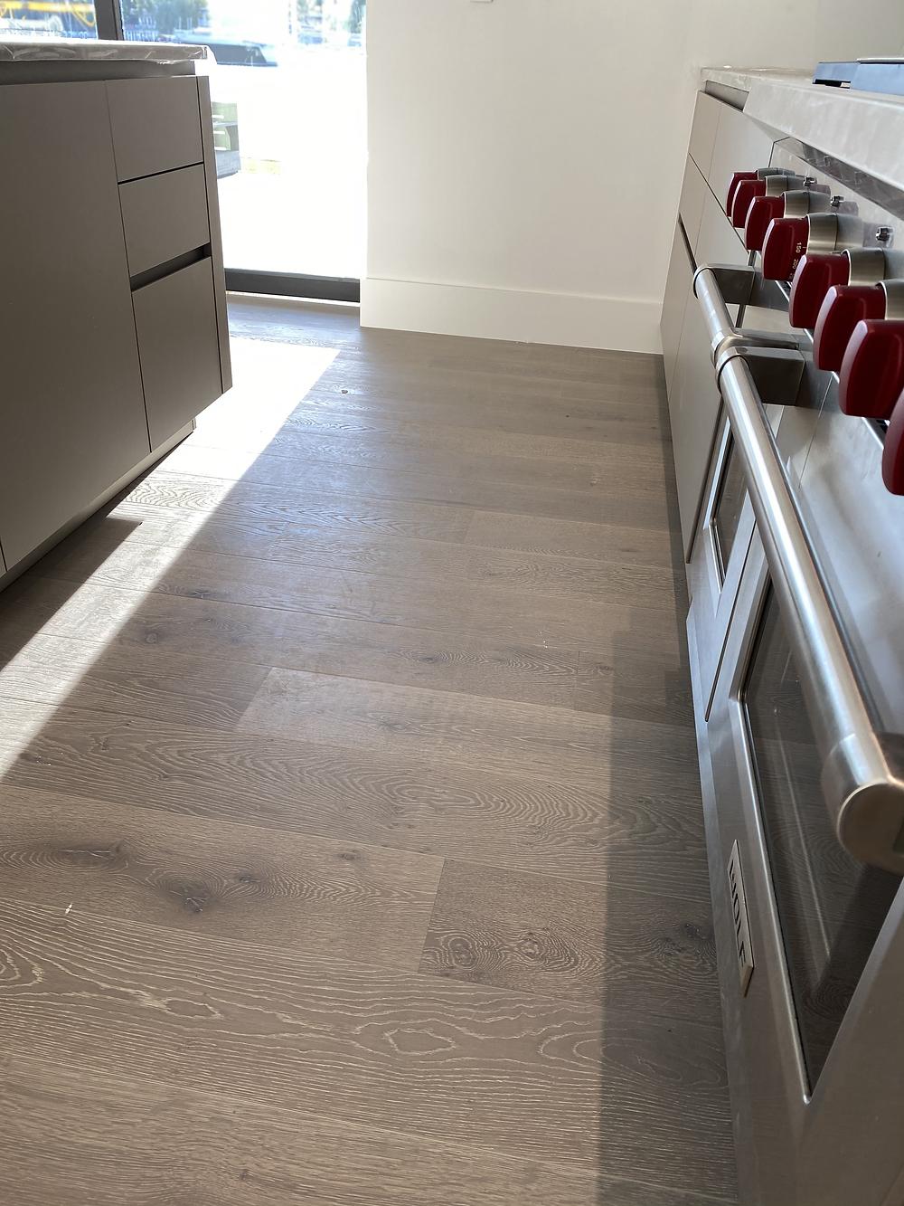 natural & light hardwood flooring trends