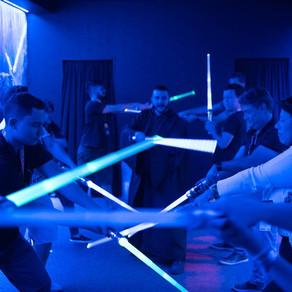 CCXP 2019 | Estande de Star Wars: A Ascensão Skywalker traz duelos de sabres de luz