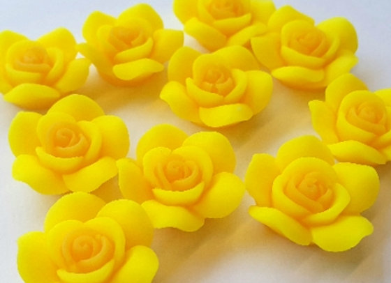 Resin Flowers 22x27x8mm 10pc - Sunny Yellow
