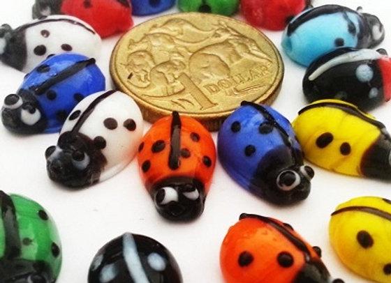 Small Lady Bug Glass Beads - Ladybugs x 20pc