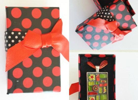 Gift Box x 1 - Red Polka Dot