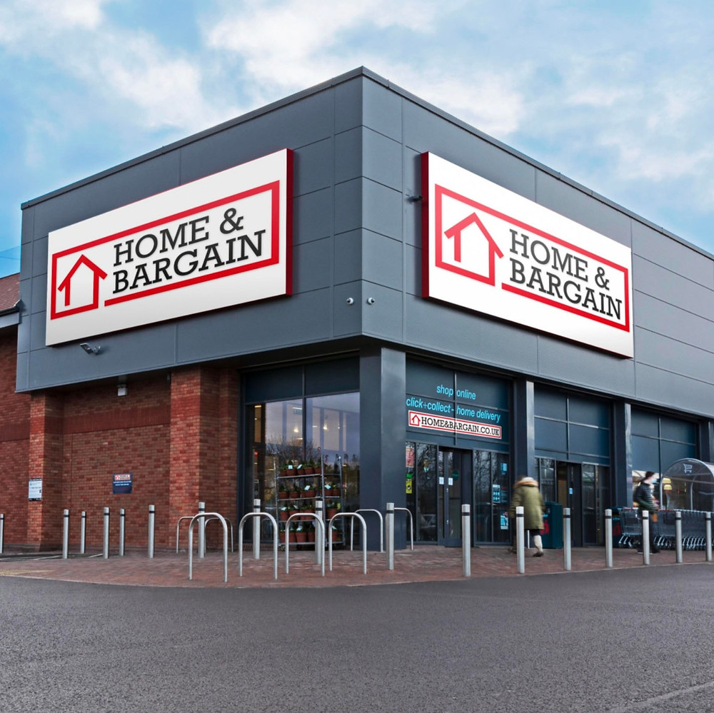 The new Home & Bargain storefront featuring the new logo as Tweeted by Home Bargains online (Credit: TJ Morris/Home Bargains).
