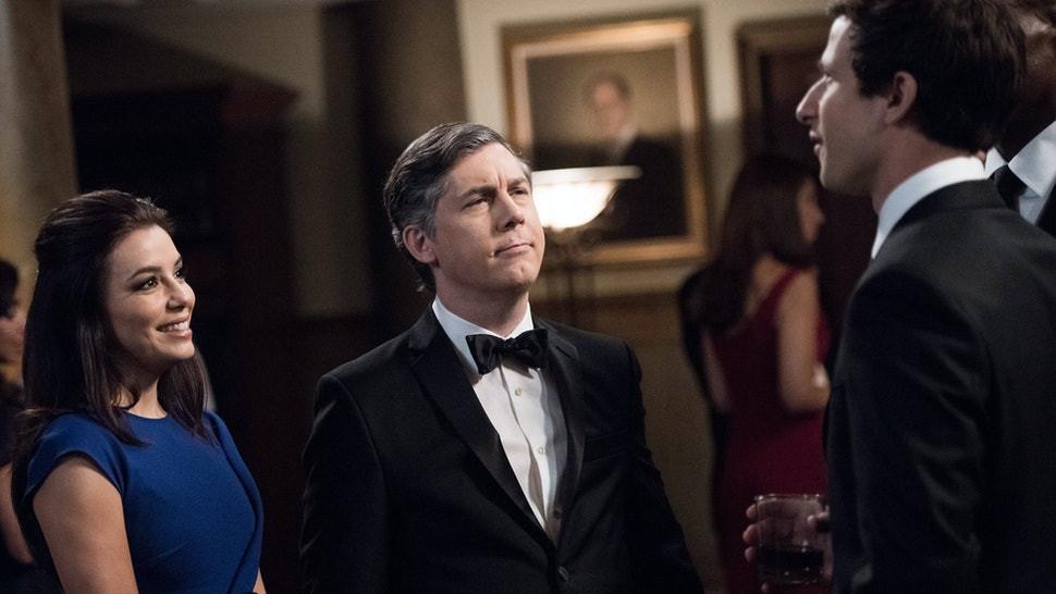 Chris Parnell playing Geoffrey Hoytsman in Brooklyn Nine-Nine alongside Andy Samberg (Credit: NBC).