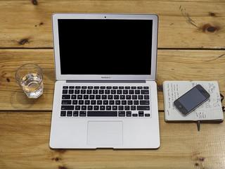 home-office-336374__480.jpg