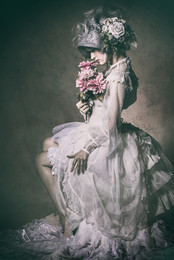 Photographer: 清田大介 Model:アオイミヅキ H&M:原田和樹 Costume:アビエタージュ Styling:大川由貴  Backdrop:GIN-ICHI