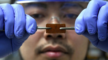 Cientista japonês descobre vidro que se regenera