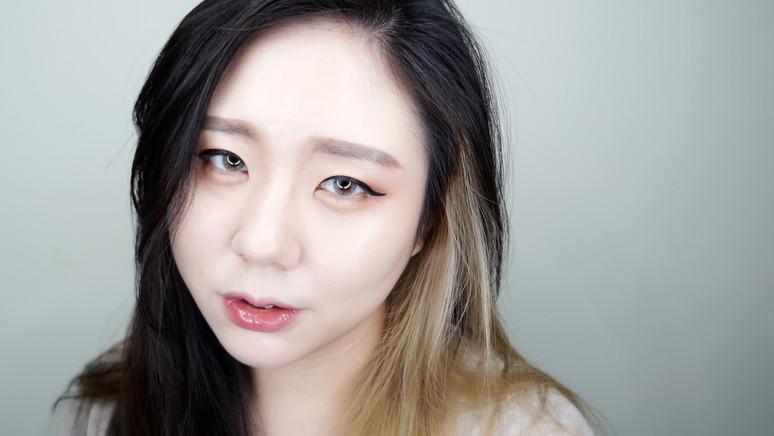 VIDEO ᴴᴰ A'PIEU 超實用8色眼影盤+日常妝容分享|AiNa愛娜