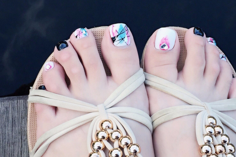 VIDEO ᴴᴰ Nail|最愛的足部保養 嬰兒奶腳的秘訣|La reine菈韓娜國際美甲