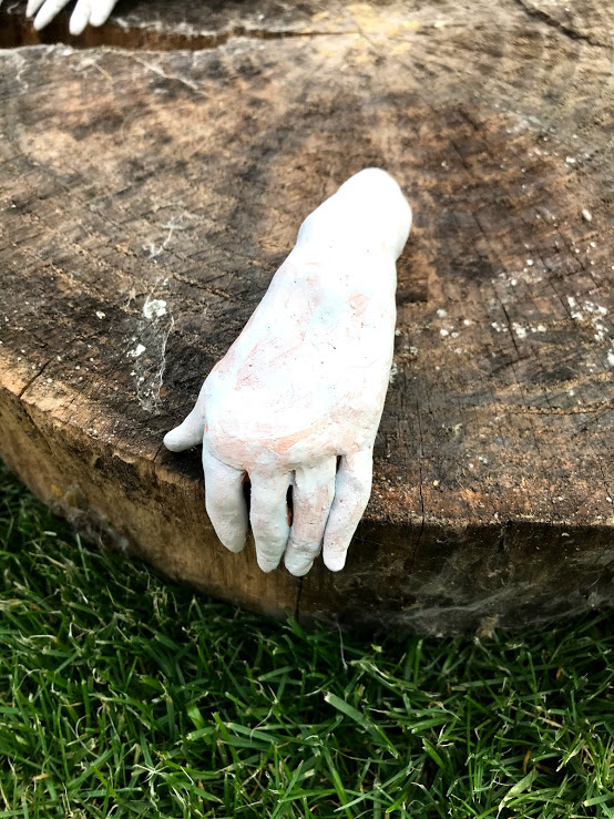 Hand 8