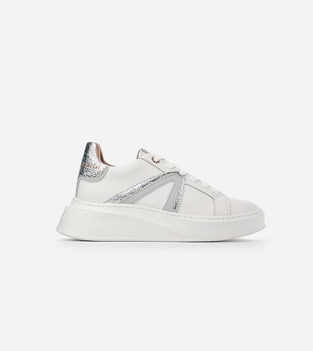 Women Sneaker Carnaby - White